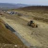Descoperire de amploare pe şantierul Autostrăzii Transilvania. La un metru sub pământ, au dat de o comoară arheologică